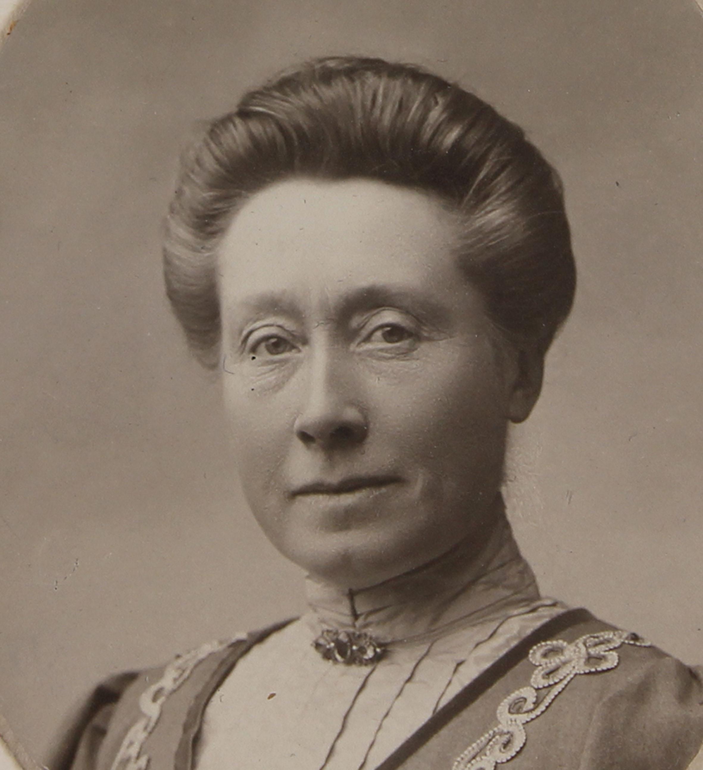 første kvinnelige stortingsrepresentant