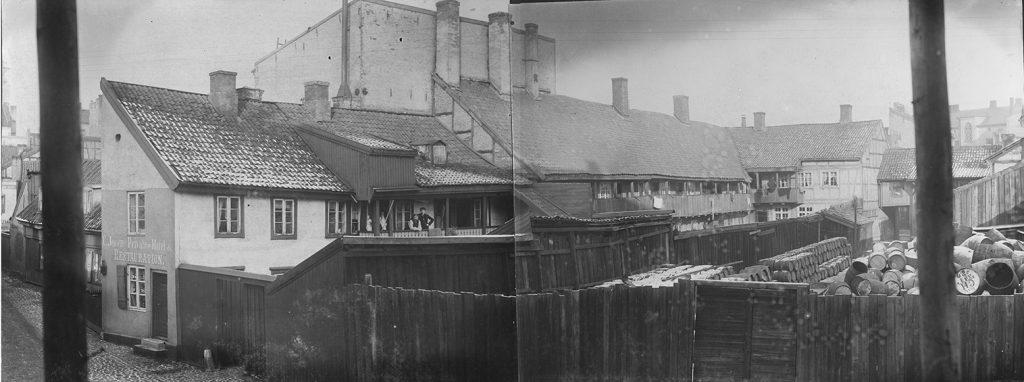Repslagergangen i Vaterland ca. 1892, fotomontasje, fotograf ukjent, fra arkiv etter Stadsingeniøren (A-20189/Ub/0002/068a/b)